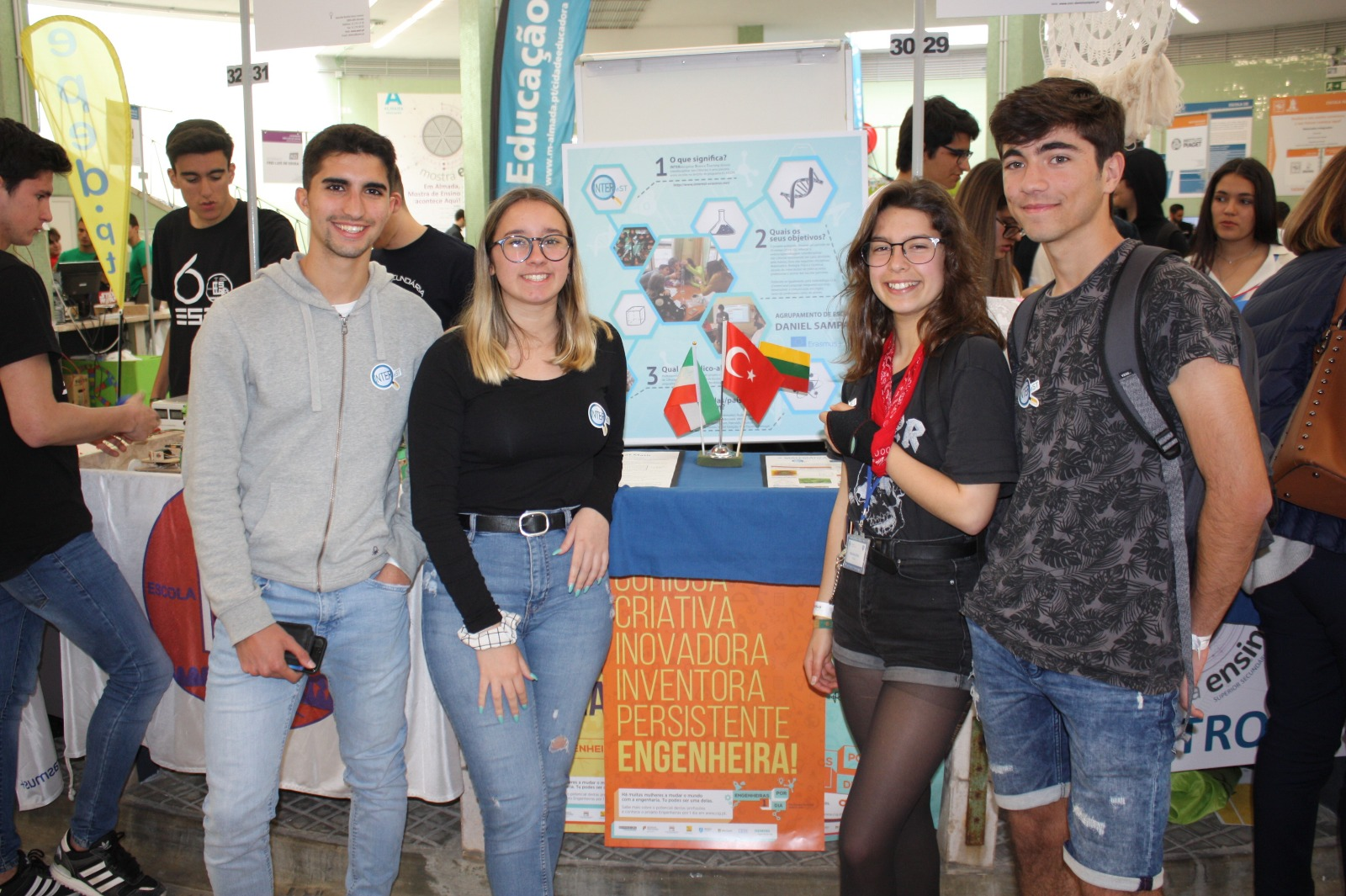 Disseminating INTEReST in Almada's School Fair (Portugal)